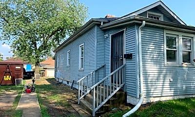 Building, 327 Johnson St, 2