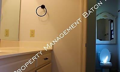 Bathroom, 917 Fairwinds Ave, 2