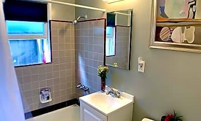 Bathroom, 4761 Wilson Ave, 1