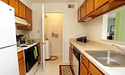 Kitchen, 5401 Claymont Dr, 1