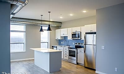 Kitchen, 129 Holmes St S, 0
