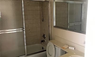 Bathroom, 143-50 Barclay Ave 5G, 2
