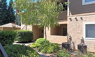 Huntington Apartments, 2
