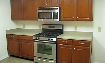 Kitchen, 662 Harmony Way, 1