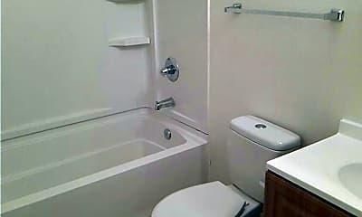 Bathroom, 2545 Belmont St, 2