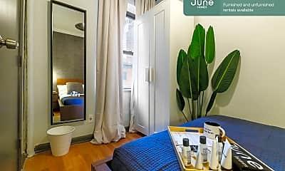 Bathroom, 404 W 40th St, 1