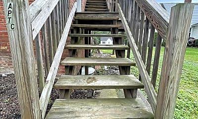 Patio / Deck, 1758 Jefferson Ave, 1