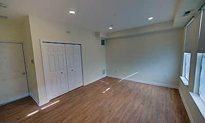 Bedroom, 117 S High St, 1