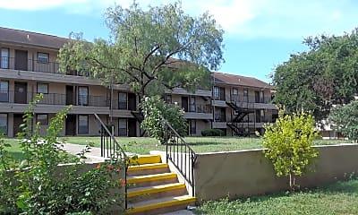 Regency Manor, 0