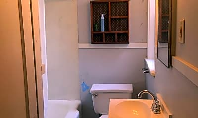 Bathroom, 7425 S Broadway, 2