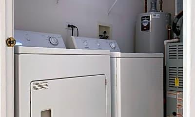 Bathroom, 988 Park Hill Cir, 2