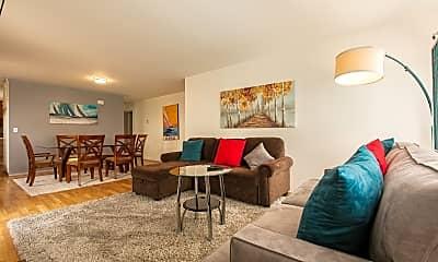 Living Room, 2901 Rollingwood Dr, 2