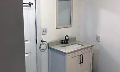 Bathroom, 1416 Rutherford Ave, 2