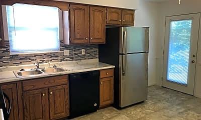 Kitchen, 682 Carol Ann Dr, 2