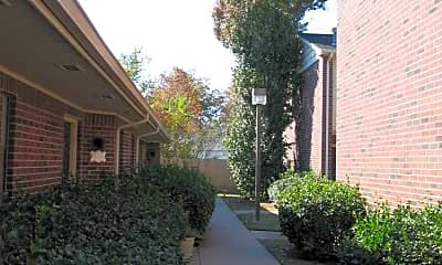 Mansion West Apartments, 2