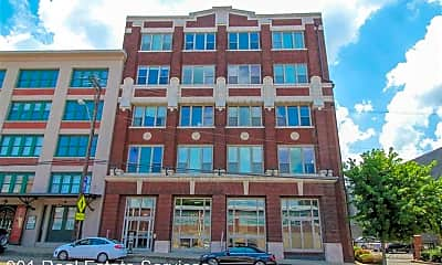 Building, 420 S Front St, 1