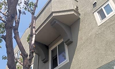 Emeryvilla Apartments, 2