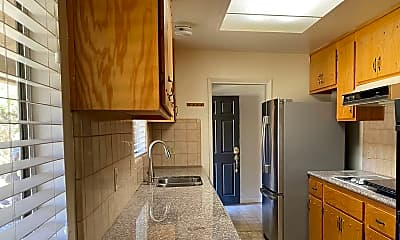 Kitchen, 15360 Sycamore Dr, 1