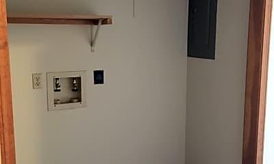 Bedroom, 222 W College St, 2