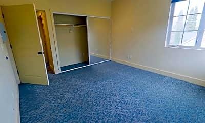 Living Room, 1221 Coburg Rd, 2