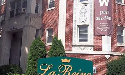 La Reine Apartments, 1
