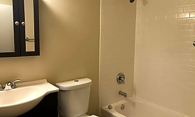 Bathroom, 630 SW 149th St, 2