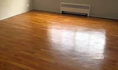 Living Room, 5672 W Adams St, 0