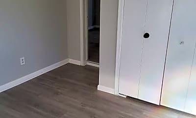 Bedroom, 610 Roosevelt Ave, 2