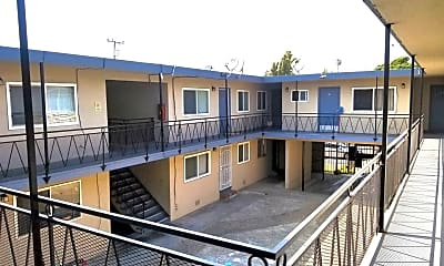 Building, 1590 Oregon Street, 0
