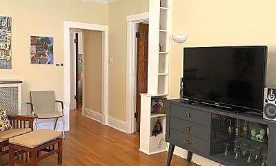 Living Room, 525 Elgin Ave, 1