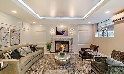Living Room, 320 E Shore Rd 2A, 1
