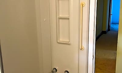 Bathroom, 161 Linden Ave, 2