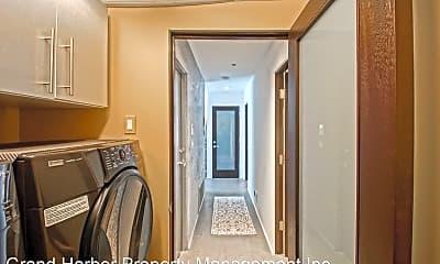 Bathroom, 445 21st Pl, 2