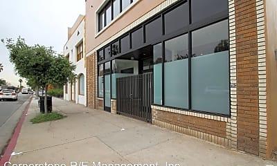 Building, 899 N Fair Oaks Ave, 0