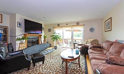 Living Room, 108 Dunvegan Woods, 1