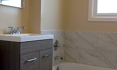 Bathroom, 5922 Fulton St, 0