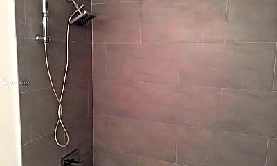 Bathroom, 1000 West Ave 1028, 1