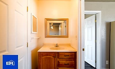 Bathroom, 5179 Pickford St, 2