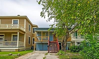 Building, 3822 Avenue K, 1