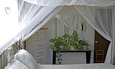 Bedroom, Applewood Crest, 2