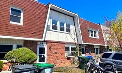 Building, 44 Sarah Ln, 2
