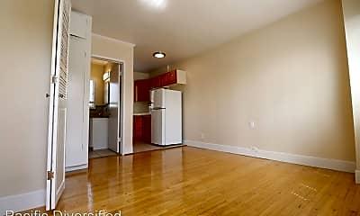 Living Room, 250 Cliff Dr, 1