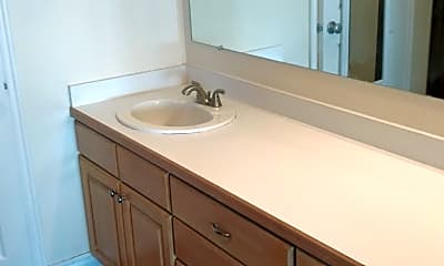 Bathroom, 1541 Riverside Ave, 2