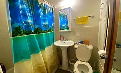 Bathroom, 7505 W Center St, 2