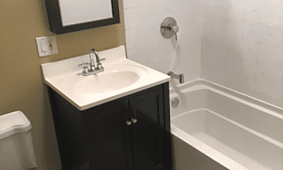 Bathroom, 4060 W Warwick Ave, 1