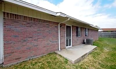 Building, 2225 Wheeler Ave, 2