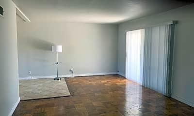 Living Room, 17052 Barneston St, 1