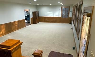 Living Room, 1012 Pinefield Ln, 1