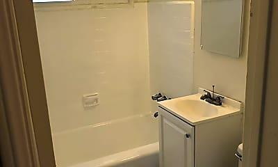 Bathroom, 11320 Washington Pl, 2