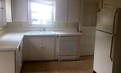 Kitchen, 1120 W Myrtle St, 1